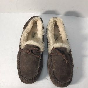 Nice and Comfy Brown Slipper Uggs sz.9